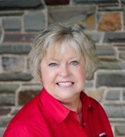 Announcing May Agent of the Month: Linda Clark!